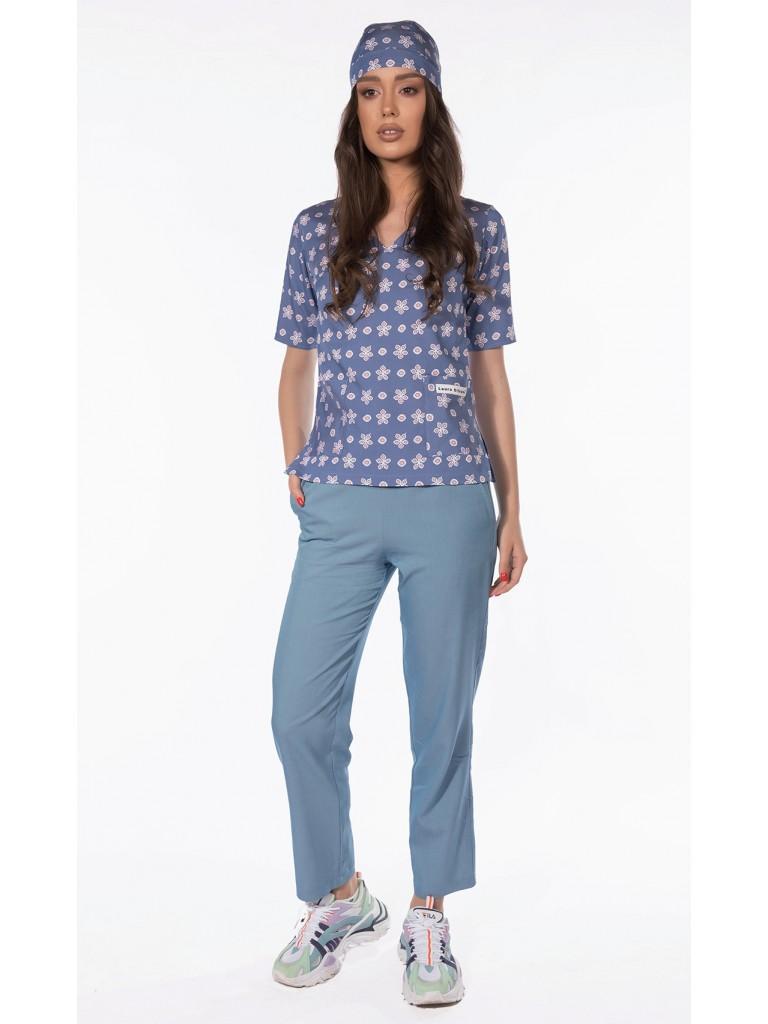 Costum medical dama, Laura Olteanu, bluza-pantalon-bandana, bleu cu alb